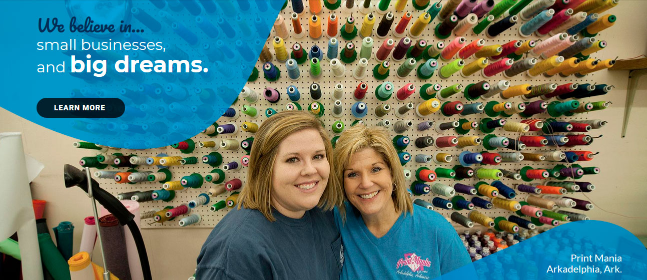 mother and daughter owners of Print Mania in Arkadelphia Ark